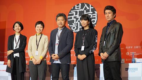 右から二番目が藤村明世監督。
